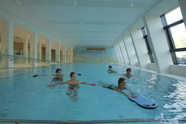 I numerosi benefici della fisioterapia in acqua