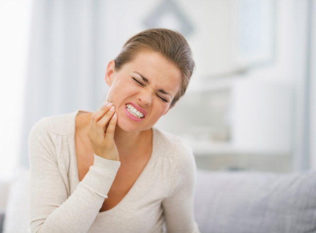 Colletti dentali scoperti: le cause sono tante