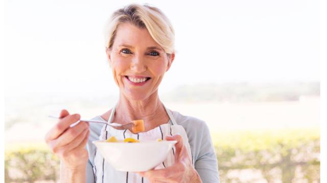 Menopausa, l'alimentazione è la prima terapia