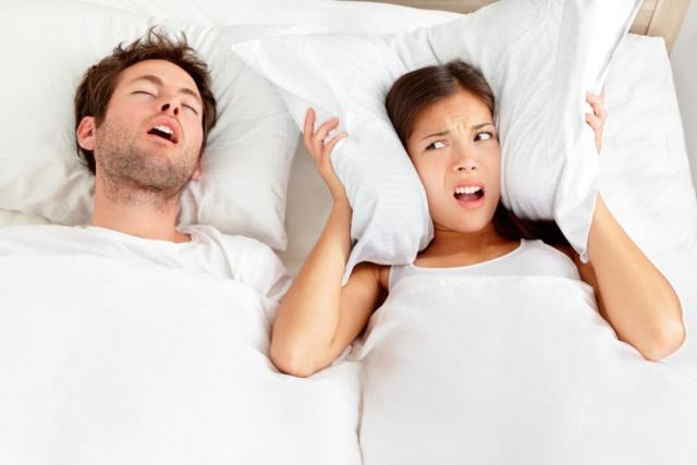 Roncopatia ed apnee, quanto fa male russare!