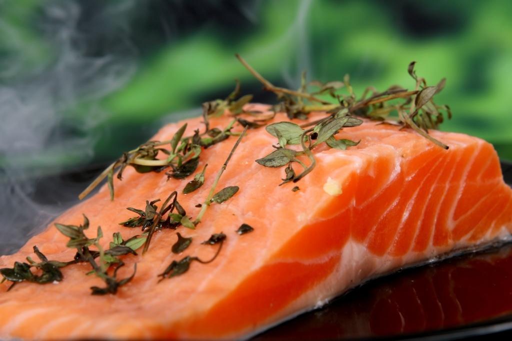 Salmone all'arancia, una ricetta sfiziosa per cucinare l'oro rosa