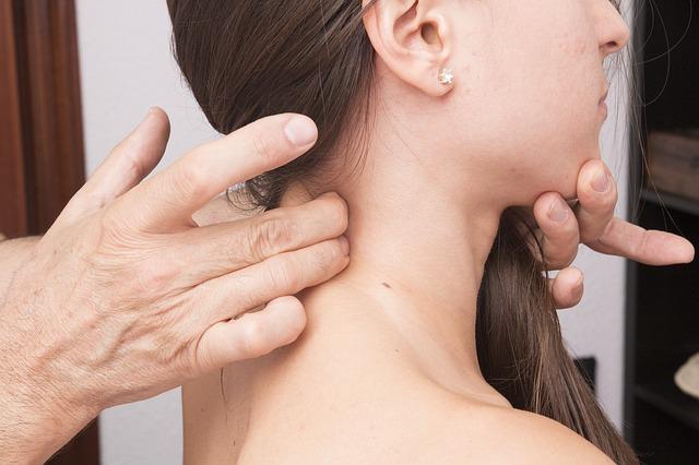 Colonna cervicale: 10 consigli per mantenerla in salute
