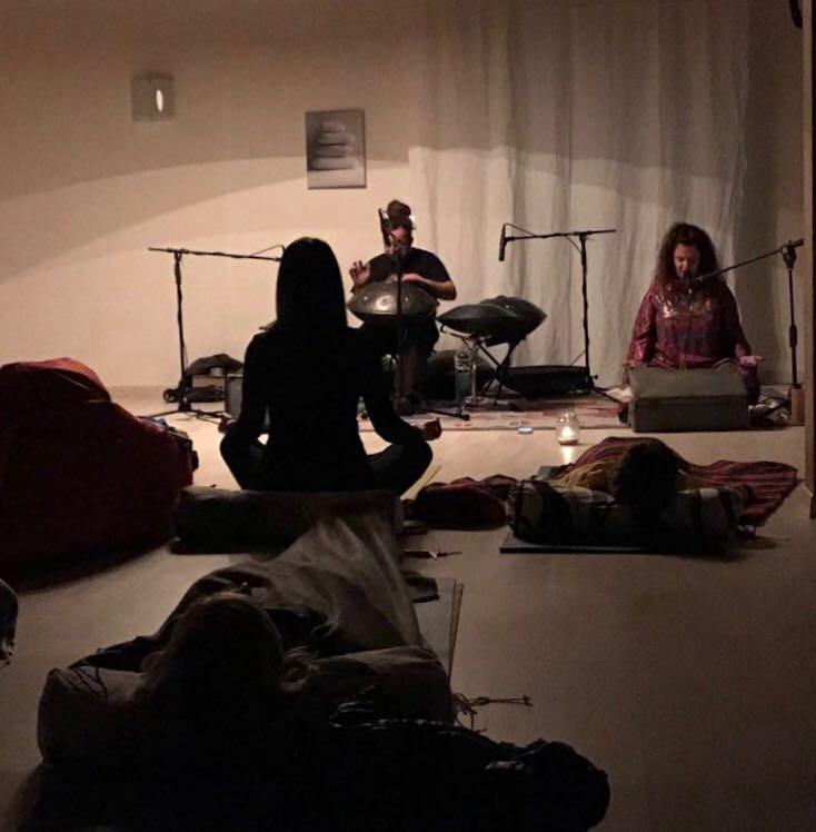 Concerti in Savasana: la musica che cura l'anima