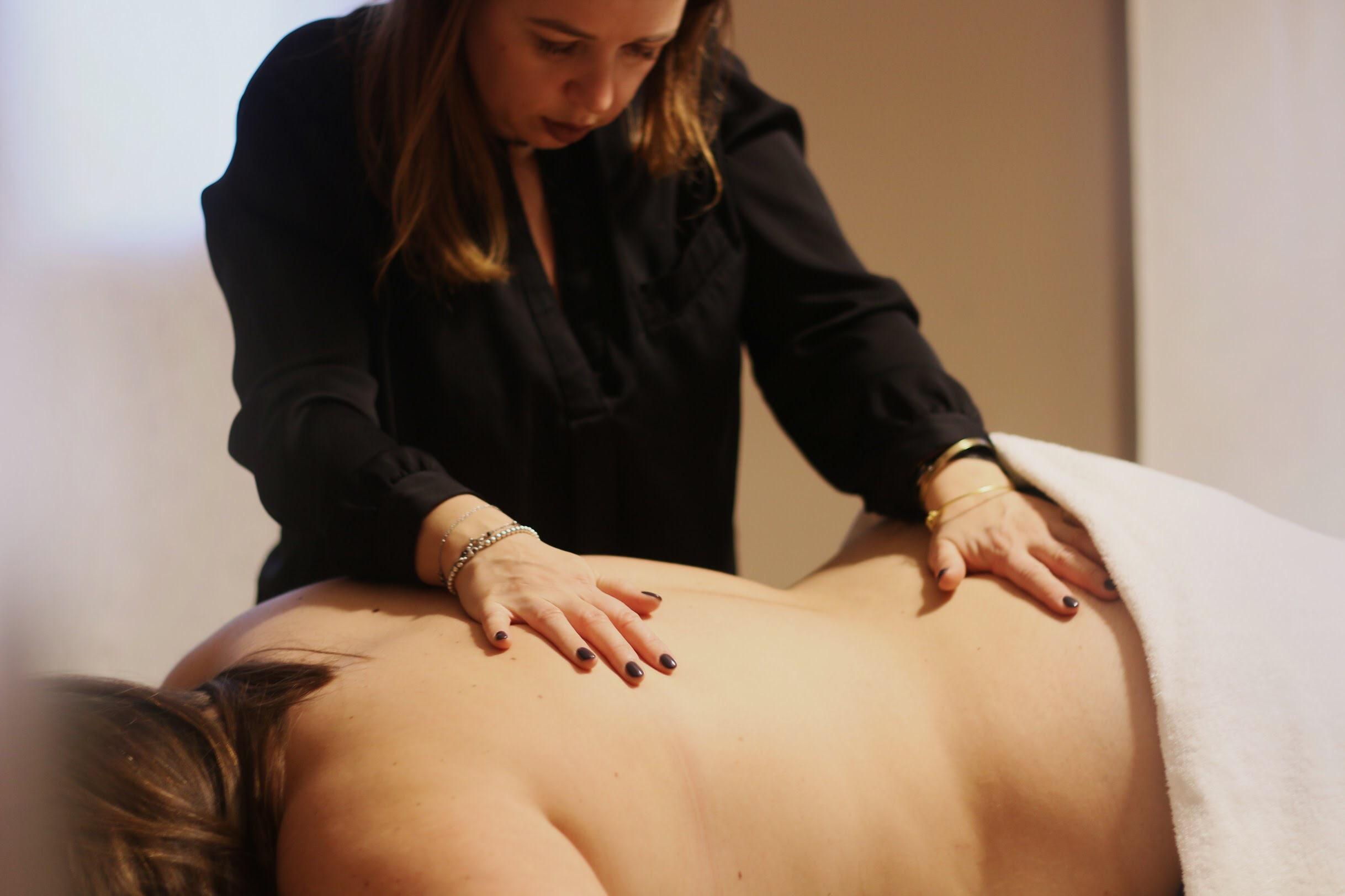 Stop agli inestetismi cutanei con il massaggio estetico
