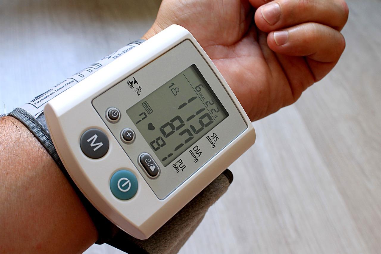 Ipertensione, l'utilità di un diario contro gli sbalzi di pressione