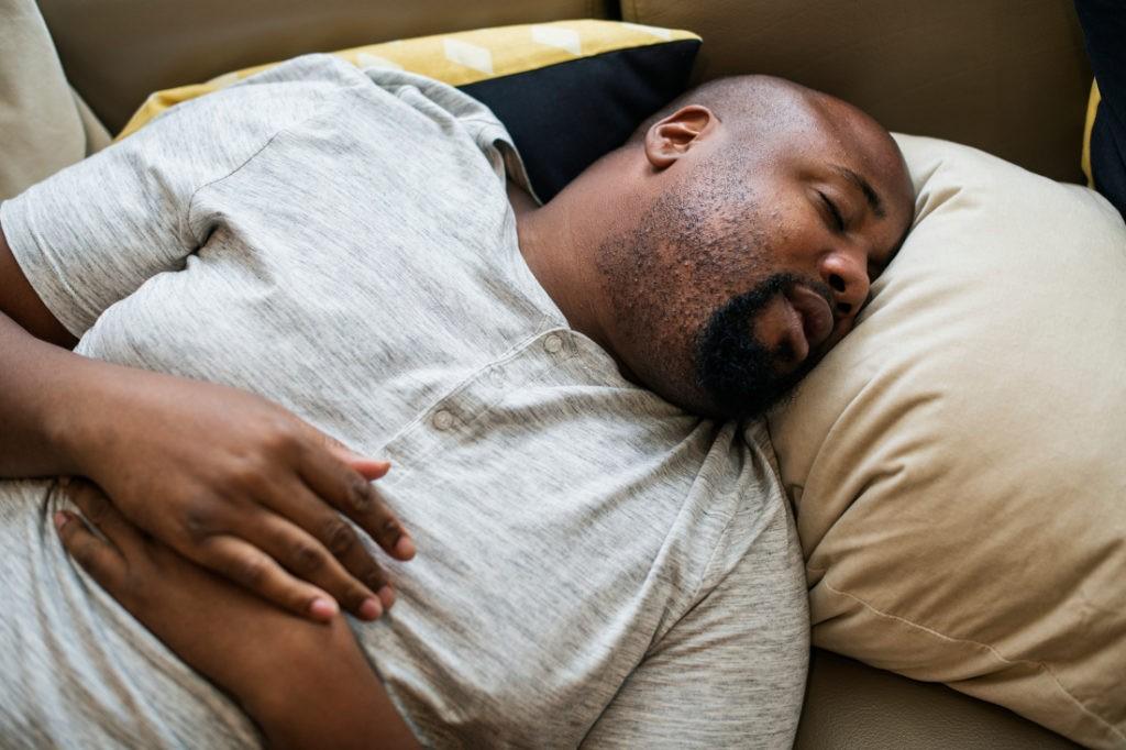 Apnee nel sonno: la polisonnografia è consigliata in caso di obesità