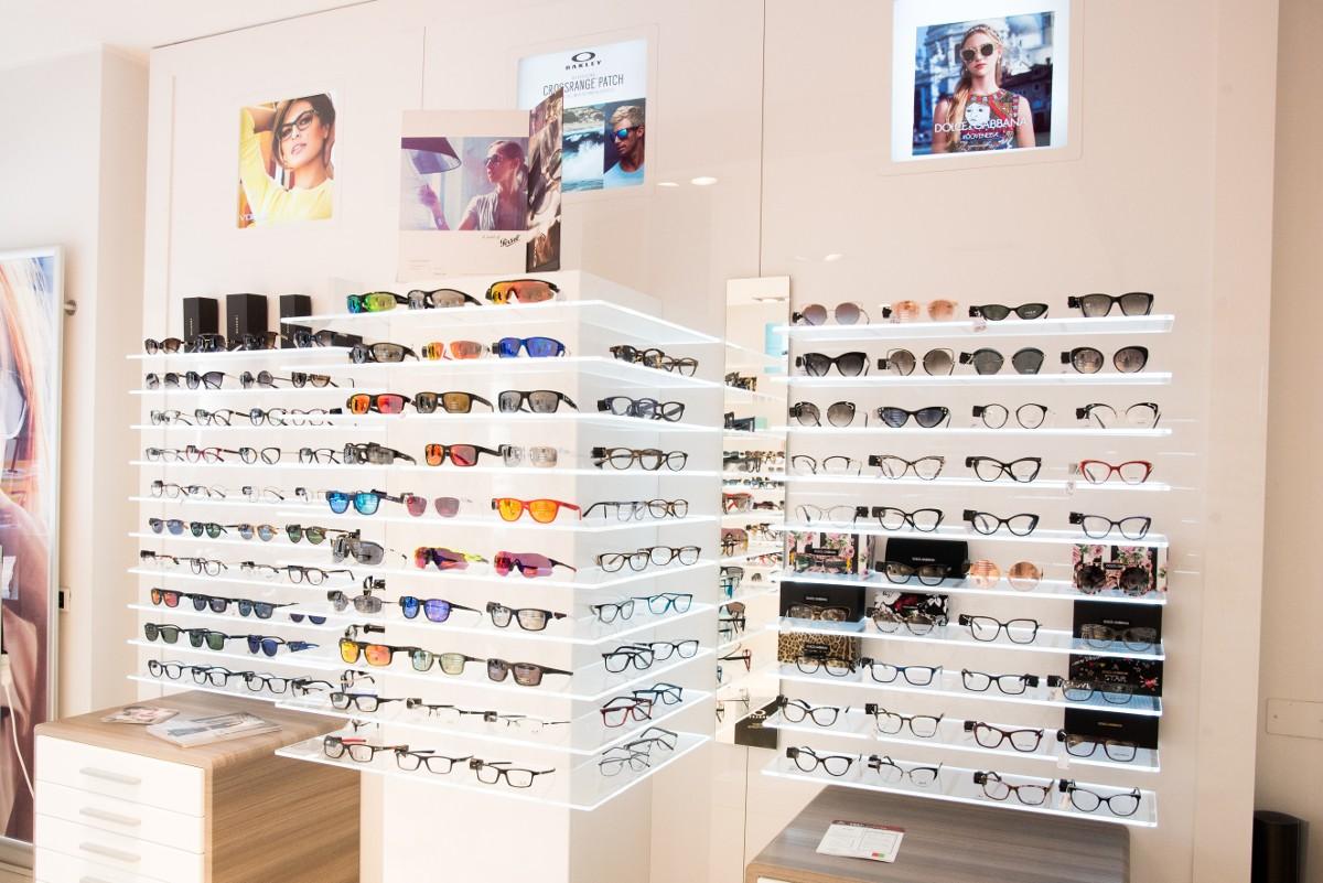 Gli occhi valgono: proteggiamoli da raggi UV e luce blu-viola