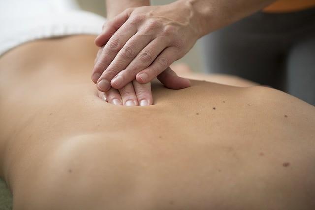 Massaggio: antica terapia fisica sempre attuale