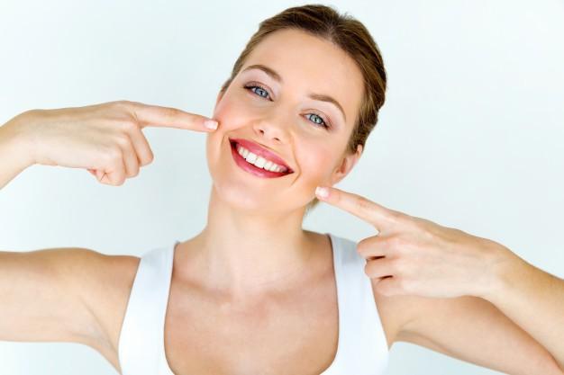 Un sorriso smagliante nasce da una igiene completa