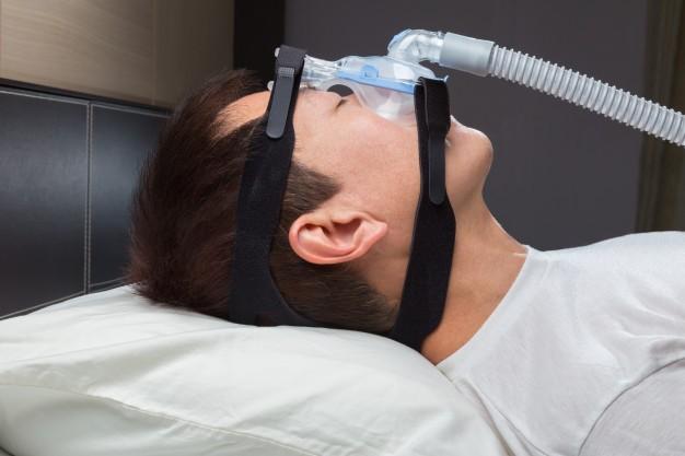Apnee notturne: rischio cardiovascolare, terapie, guida dei veicoli