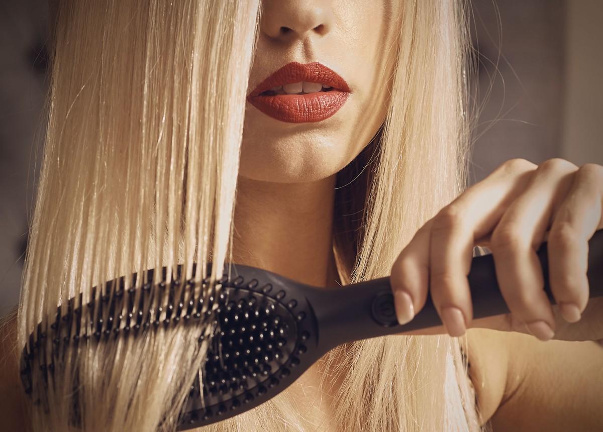 Spazzola lisciante: l'ultimo trend per la bellezza dei capelli