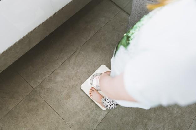 Perdere peso in poco tempo dopo gli eccessi alimentari