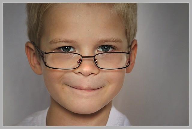 Occhiali in età pediatrica: i segnali da cogliere