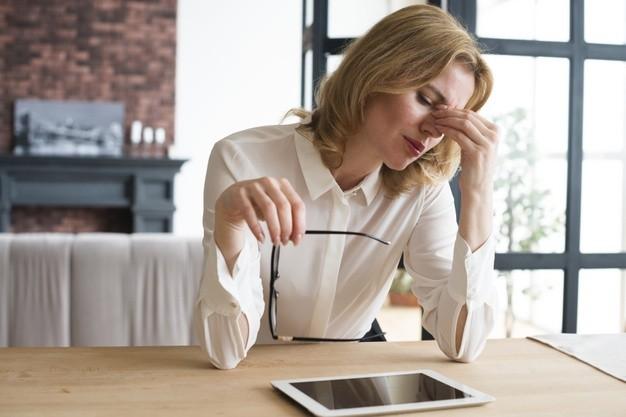 Lenti-da-vista-per-ufficio-addio-a-stanchezza-visiva-e-problemi-posturali