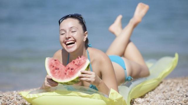 Alimentazione e abbronzatura come mantenere la pelle bella e in salute