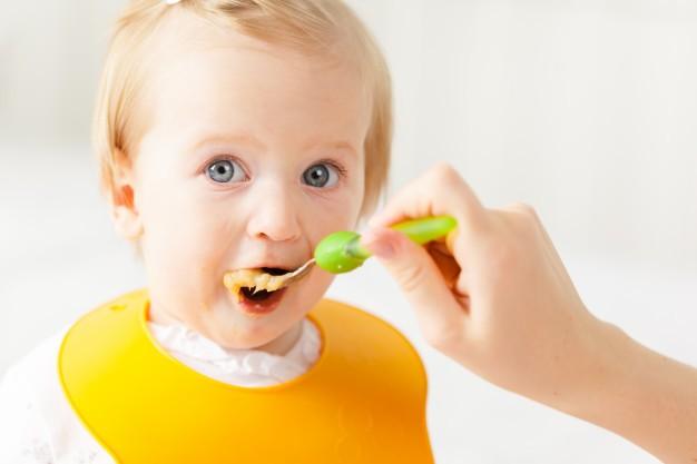 Alimentazione infantile da 0 a 3 anni: le scelte giuste