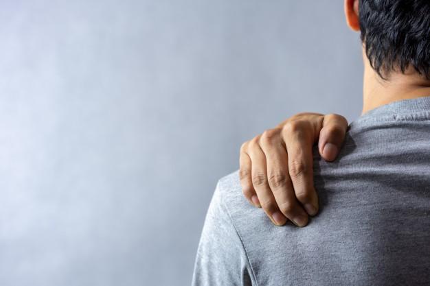 Artrosi della spalla: farmaci, fisioterapia, chirurgia
