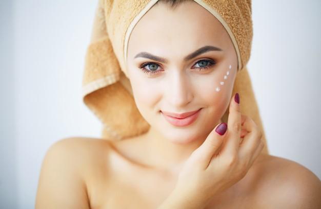 Bio peptidi nei cosmetici: effetto anti-aging full face