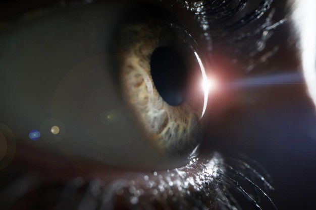 Chirurgia refrattiva: addio ad occhiali e lenti a contatto