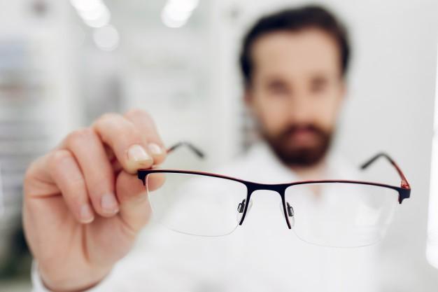 Chirurgia refrattiva difetti trattati, tecniche, vantaggi
