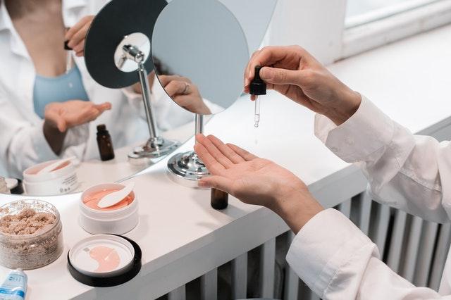 Dermatiti: la gamma dei prodotti Omecs per la cura e la prevenzione