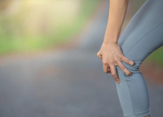 Gonfiore improvviso del ginocchio: cosa fare?