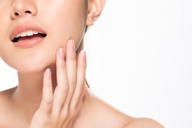 Idratazione e nutrizione per una pelle sana