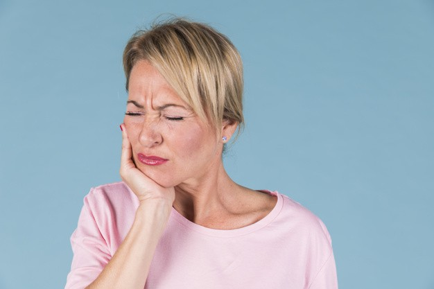 Mal di denti: cause del dolore e pronto intervento