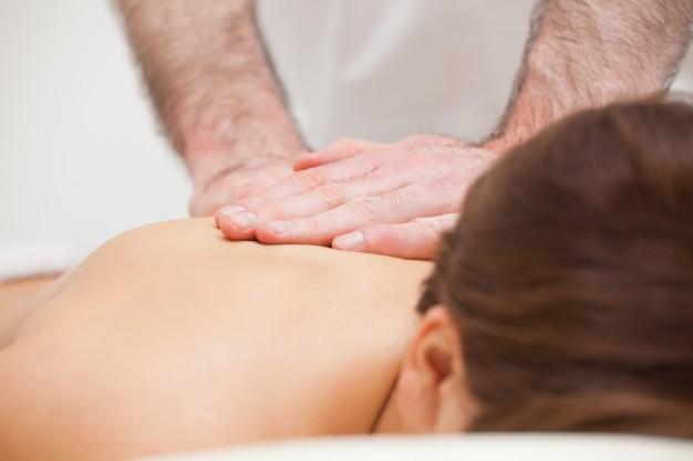 Manipolazioni vertebrali: cosa sono