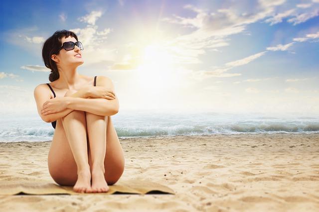 Sole e pelle: attenzione sia al mare che in montagna