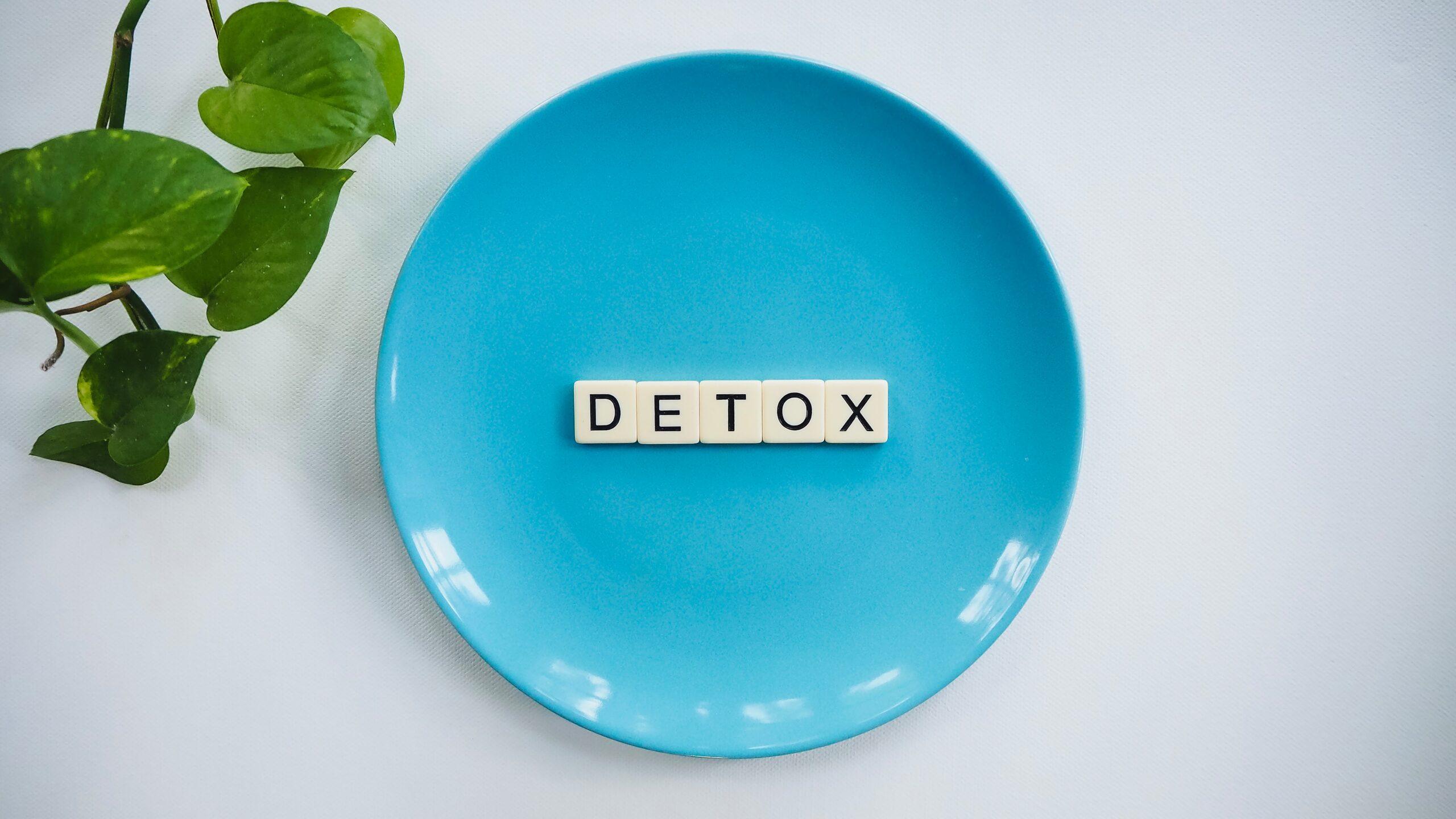 Dieta detox: come rimettersi in forma con il digiuno intermittente e il mima digiuno